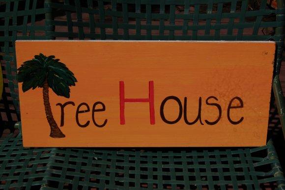 TreeHouseSign